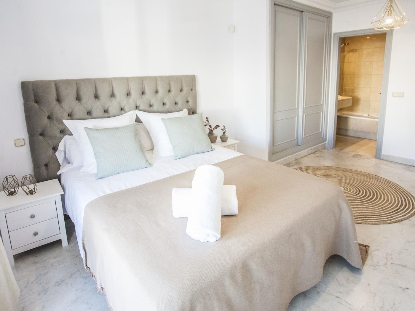 Central Puerto Banus Apartment IV (2 Bedrooms)