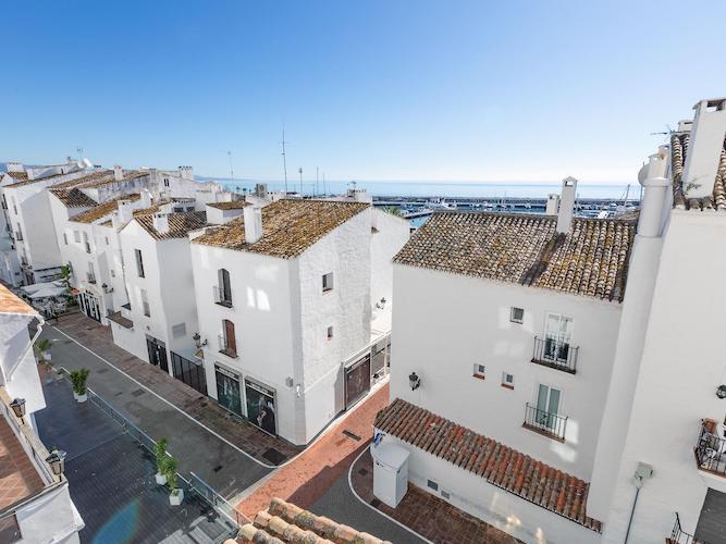 puerto banus duplex sea views3