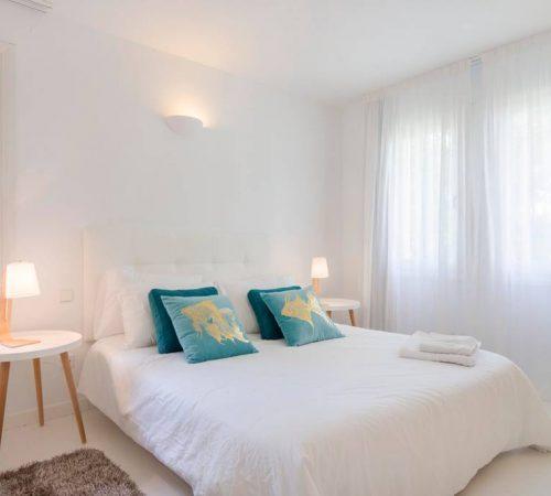 LA CASA BLANCA VILLA (5 BEDROOMS)